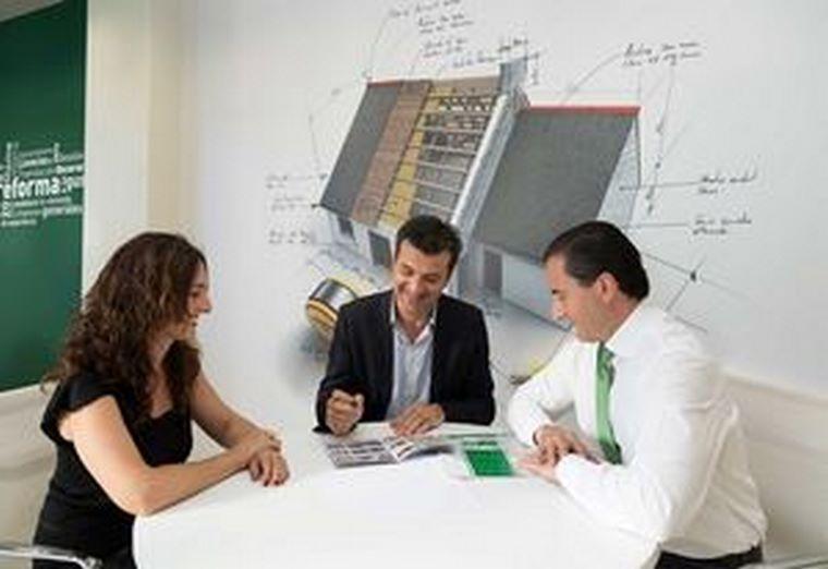 Vilsa Grupo Inmobiliario firma un acuerdo para sus franquiciados con su financiera de confianza
