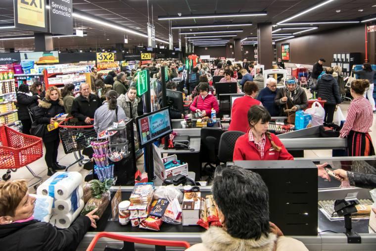 Eroski inaugura un nuevo supermercado en Santa Eulalia del Río (Ibiza)