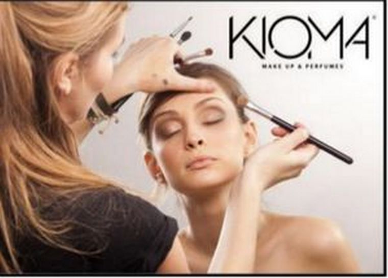 Kioma - Flashes Make Up