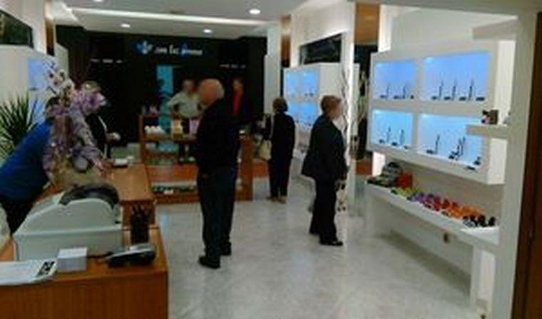 La cadena de perfumerías 'low-cost', Son Tus Aromas, inaugura establecimiento en Lalín (Pontevedra)