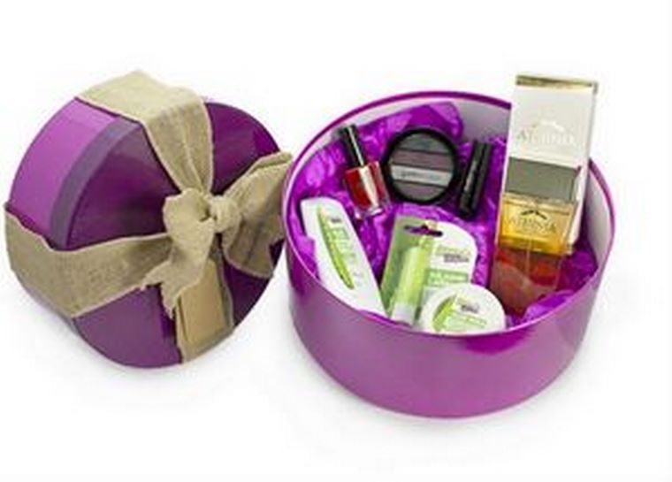 Por cada perfume de hombre que se comprará estas navidades, se regalan tres de mujer