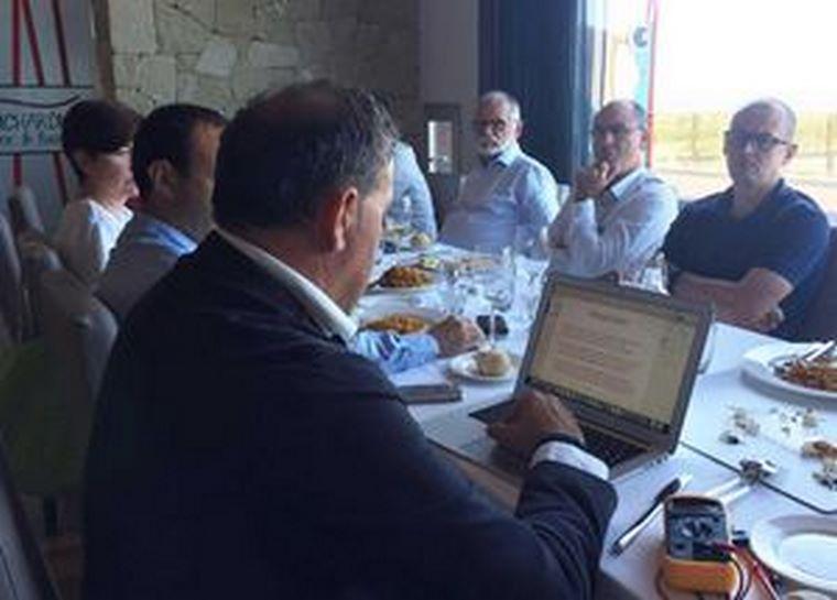 Ahorralia.es y la Asociación de Campos de Golf de la Costa Blanca firman un convenio de colaboración