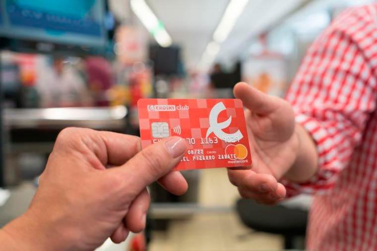 La nueva tarjeta de crédito Eroski Club Mastercard supera los 50.000 titulares en una semana