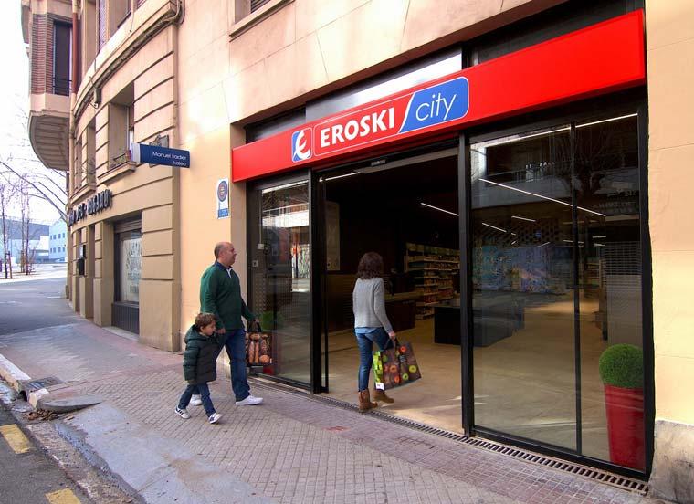 Gureak y Eroski ponen en marcha su tercer supermercado gestionado íntegramente por personas con discapacidad