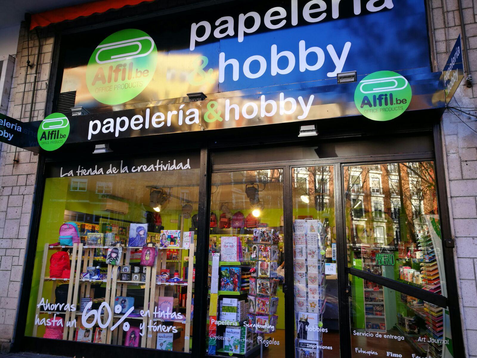 Alfil.be papeleria & hobby inaugura en Atocha