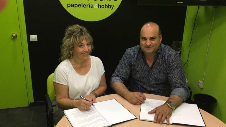 Alfil.be papeleria & hobby abre en Valladolid