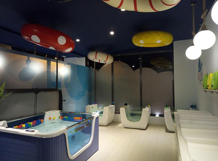 La franquicia Splash Baby Spa, spa para bebés, presenta su método de trabajo ante el colectivo de profesionales de la salud