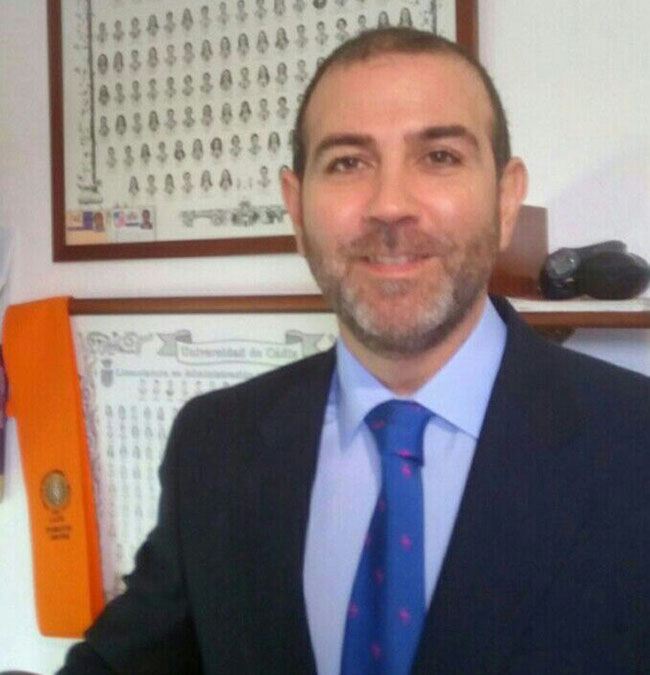 """""""Predicamos con el ejemplo y apostamos por nuestro propio negocio porque es rentable"""" afirma Luis M. Ruiz lozano Dir.Expansión de Maxi Diez"""