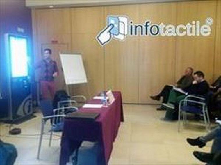 INFOTACTILE se presenta con éxito en Valencia