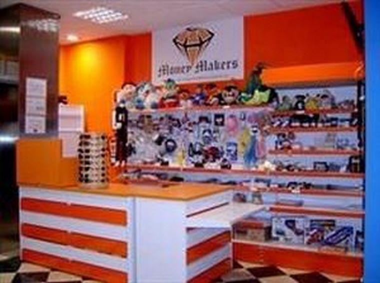 Inauguración de nueva Tienda Money Makers