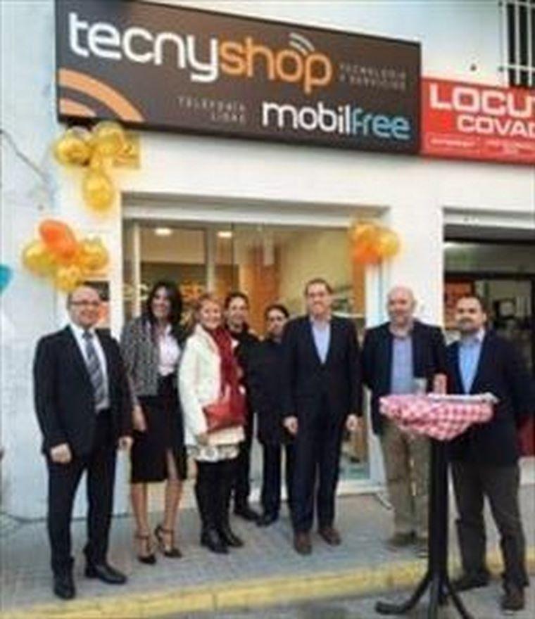 Christian Barrios inaugura su primer punto de venta Tecnyshop Mobilfree en la Comunidad de Madrid