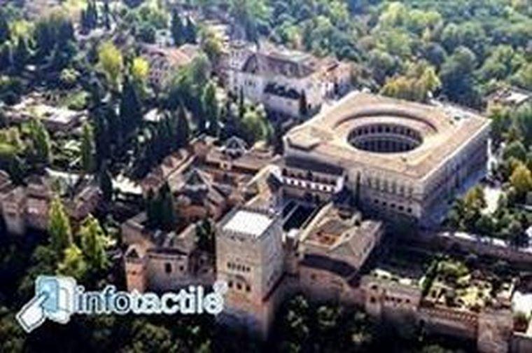 Granada ofrece el servicio Infotactile en seis puntos de la ciudad