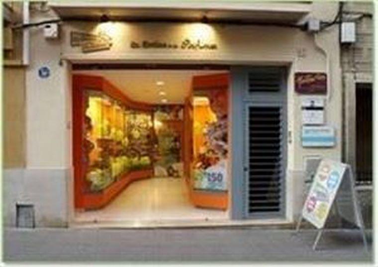 La Botica de los Perfumes llega a Cataluña en un día muy especial.