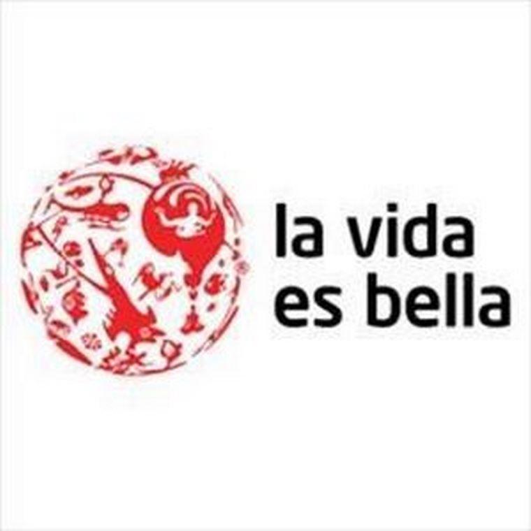 """Abanolia firma acuerdo de colaboración con """"La vida es bella""""."""