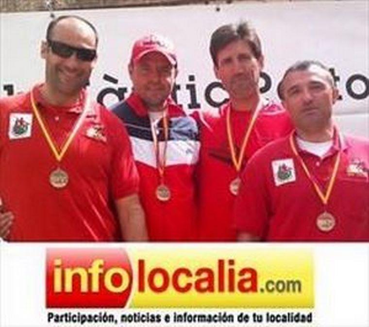 Oro para  Infolocalia en la primera prueba de la Copa de España de kayak