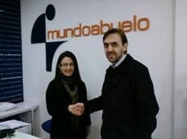 Mundoabuelo firma un Convenio con la Asociación de padres ANPA ANEXA 2007 de Lugo.