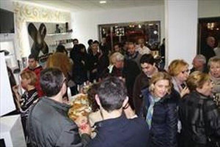 Valencia inaugura su tienda Canela en Polvo con una multitudinaria acogida de más de 200 personas.