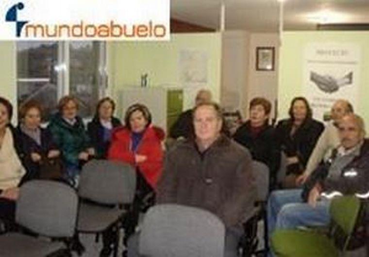 mundoabuelo lugo realiza una conferencia en la asociación astelu.