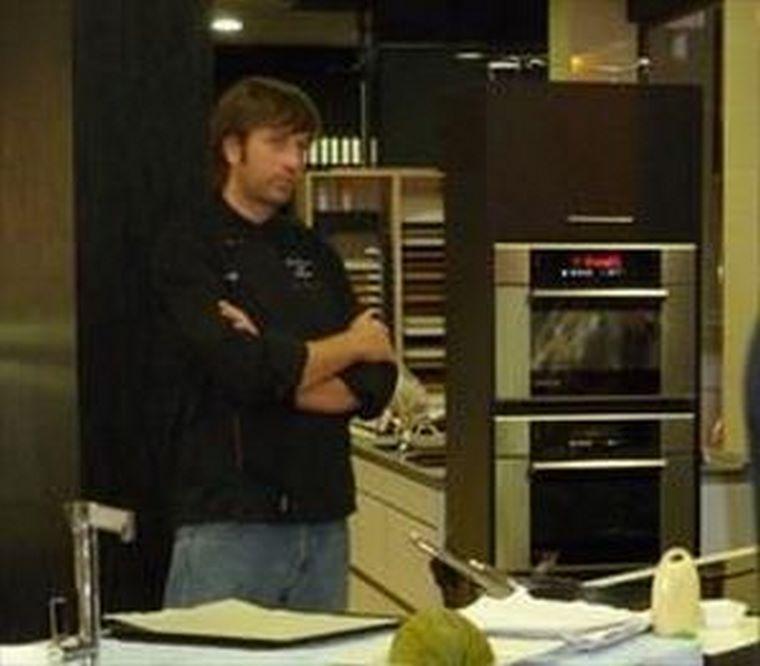 Show cooking the singular kitchen zaragoza de dietrich - Singular kitchen valencia ...