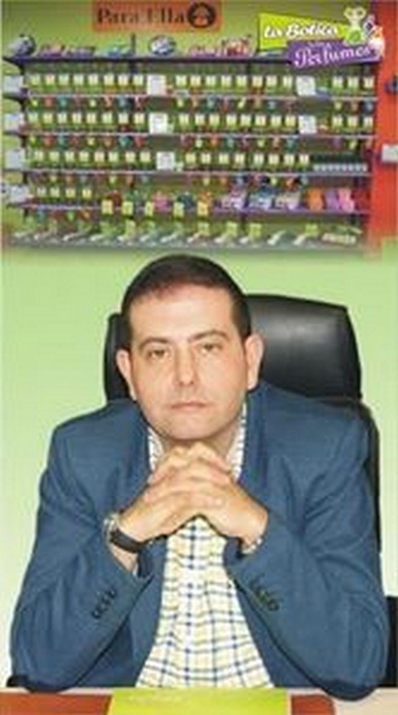 """Juan Antonio Almoril, Director de Expansión de La Botica de los Perfumes:""""Ser franquiciado de La Botica de los Perfumes es entrar en el mundo de las fragancias de la mano de expertos que asesoran en todo momento al franquiciado."""""""