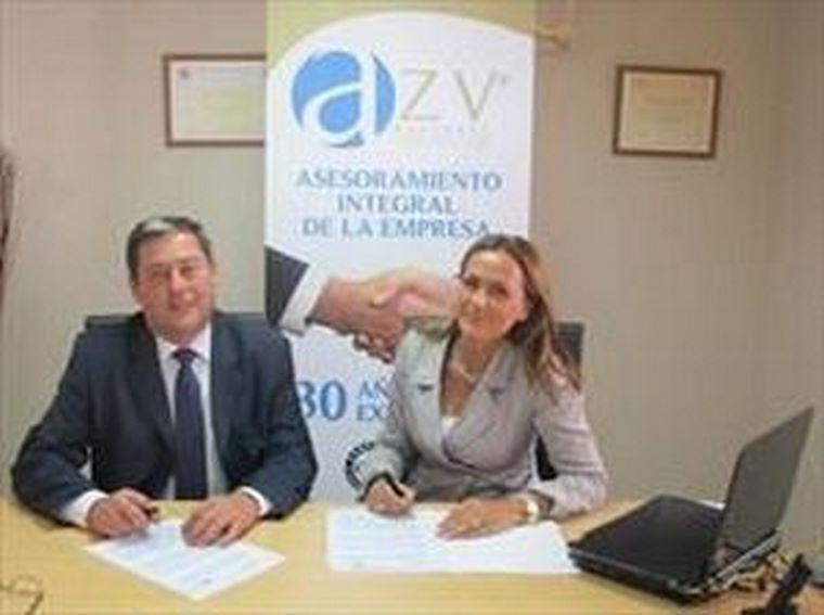 AZV asesores y MC MUTUAL firman un acuerdo de colaboración.