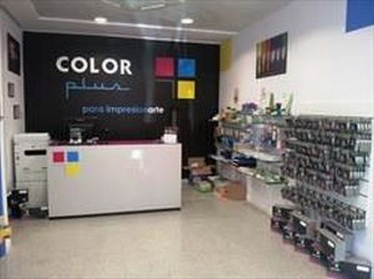 Color Plus Alcorcón, octava tienda Color Plus en la capital.