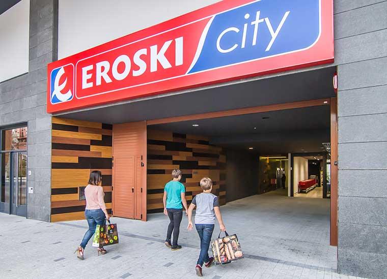 Eroski vuelve a invertir en aperturas propias con la inauguración del supermercado en San Sebastián