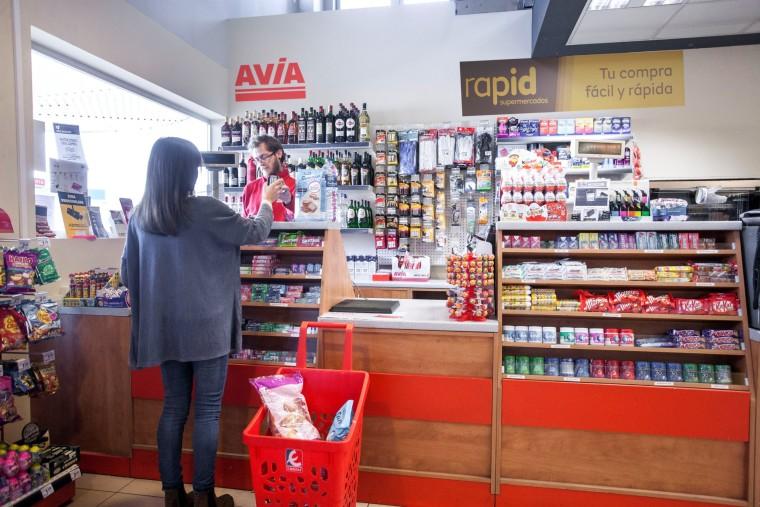 "EROSKI inaugura un ""RAPID"" en la gasolinera Avia de Pamplona"