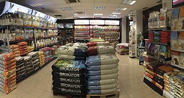 Aleix Espargaró inaugura la primera tienda TerranovaCNC en Figueres